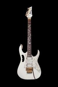 2014-06-28-guitars-9162